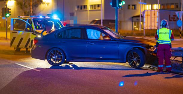 Ung sjåfør smadret BMW-en -fratatt lappen for uaktsom kjøring