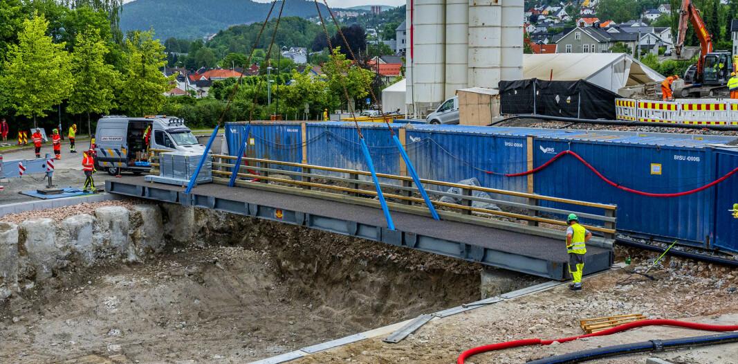 Under denne brua skal den nye togtunnelen gå