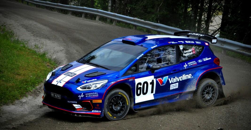 TOK INNERSVINGEN: Anders Grøndal i sin Ford Fiesta R5 rallybil ble raskest og leder nå NM-sammendraget.