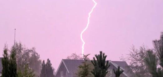 Voldsomt tordenvær: Brannvesenet rykket ut til flere boliger
