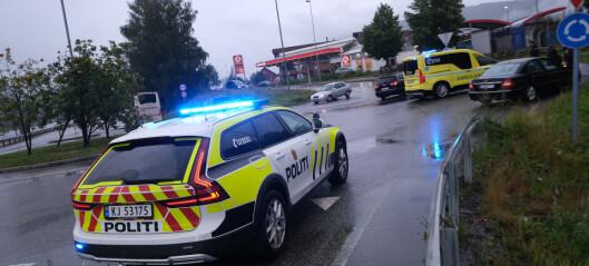To biler involvert i ulykke i E134-rundkjøring