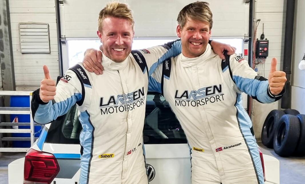 GULLGUTTER: F.v. fører Frank Tore Larsen og kartleser Morten Erik Abrahamsen.