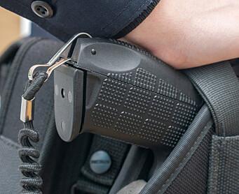 Innfører elektro-sjokk-våpen som standard-utstyr i politiet