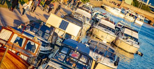Kommunen advarer båtfolket på elva: - Hold avstand!