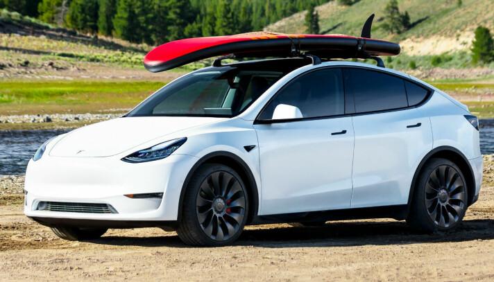 """<span class="""" italic"""" data-lab-italic_desktop=""""italic"""">Tesla Model Y gikk som ventet helt til topps i august.</span>"""