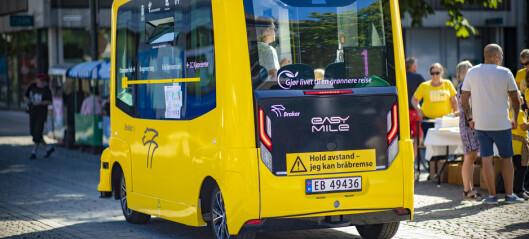 Brakars nye prestisjebuss påkjørt av annen buss - tatt ut av drift
