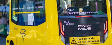 Brakars nye prestisjebuss påkjørt av annen buss:Tatt ut av drift